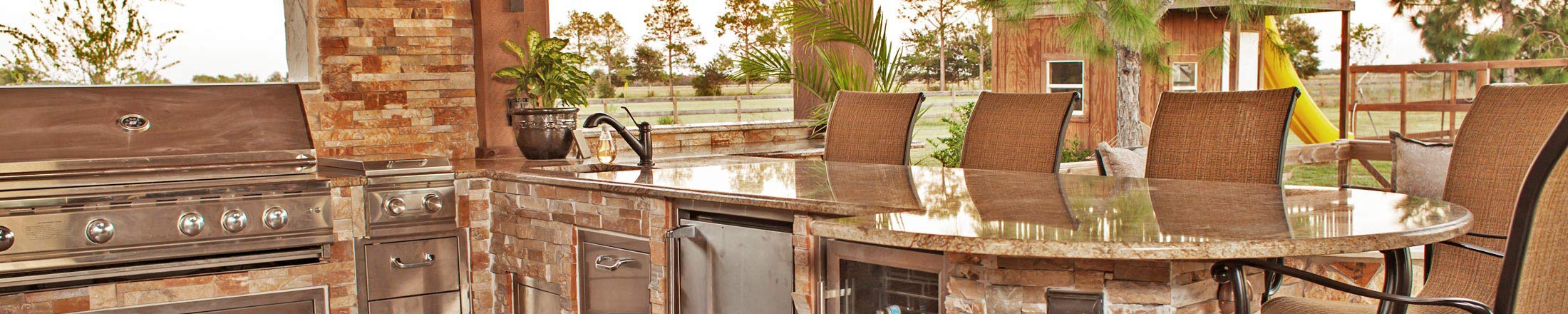 outdoor kitchens header 1