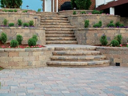 Retaining Walls: Country Manor Stonegate