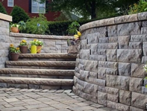 Projects: Retaining Walls & Steps