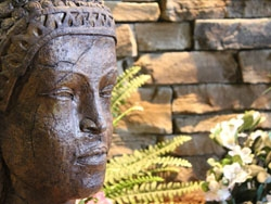 Outdoor Accessories: Statues