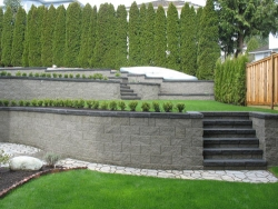 Retaining Walls: Compac3 - Straight Split